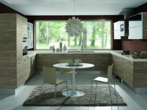 Modernt kök med vacker utsikt