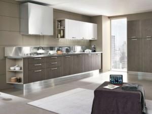 Moderna kök med integrerad kyl och frys