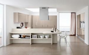 Modern köksö med öppna bänkskåp