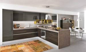 Modernt beslagslöst kök med fanerade köksluckor