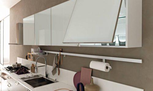 Moderna kök med vippluckor